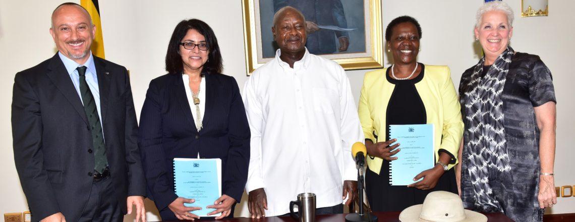 Uganda, U.S. Consortium Sign Oil Refinery Agreement